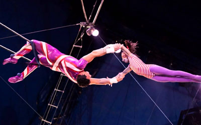 Trapeze Acts
